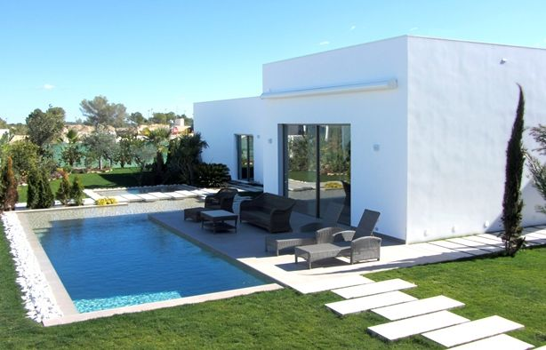 Villas in Orihuela Costa, Reality or fantasy?