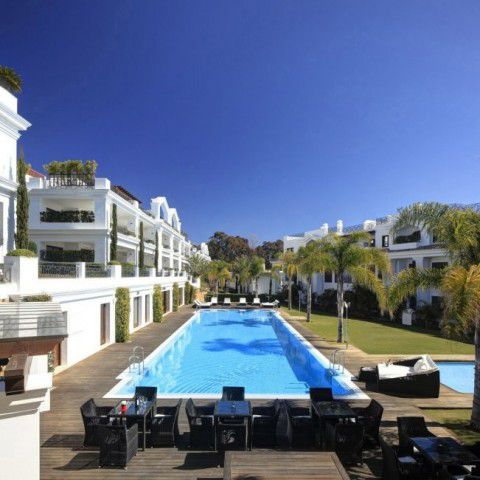 Sale - Apartments - Estepona